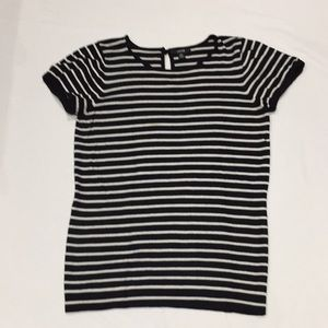 In good used condition.. Jacob top size S/P